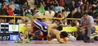 YÜREĞIR BELEDIYE BAŞKANı - Yüreğir Belediyesi Güreş Takımı Çeyrek Finalde