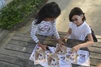 KIZ ARKADAŞ - 3 Kız Arkadaşın Hayvanlar İçin Yaptığı Afişler Takdir Topladı