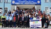 Afyonkarahisar'da 'Polis Vatandaş' Konulu Resim Sergisi Açıldı