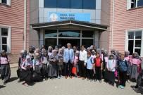 YUNUS EMRE - Başkan Akcan Okul Ziyaretlerine Devam Ediyor