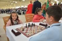 KOL SAATI - Bilecik'te Ödüllü Satranç Turnuvası Düzenliyor