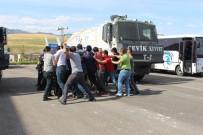 ÇEVİK KUVVET - Çevik Kuvvet Polislerinden Gerçeği Aratmayan Tatbikat