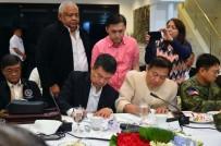 MECLIS BAŞKANı - Filipinler Devlet Başkanı Duterte, Sıkı Yönetim Yasasını İmzaladı