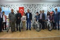 NEVZAT DOĞAN - İzmit Belediyesi, 283 Öğrenciye Bisiklet Hediye Etti