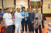 Kahta Belediyesi Voleybol Takımı Şampiyon Oldu