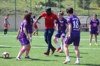 EYLEM PLANI - Karabüksporlu Futbolculardan Spor Lisesine Ziyaret