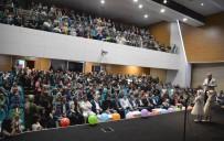 Kur'an-I Kerim Kurslarına Katılan Miniklerin Yıl Sonu Etkinliği Göz Doldurdu