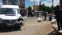 ÖĞRENCİ SERVİSİ - Öğrenci Servisi At Arabasıyla Çarpıştı Açıklaması 1 Yaralı