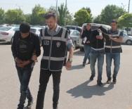 ABDÜLMECIT - Otomobil Çalıp Parkta Çekirdek Yerken Yakalanan Şüpheliler Tutuklandı