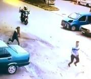 Polisi Görünce Seyir Halindeki Motosikletten Atlayıp Kaçtılar