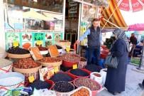KURU KAYISI - Ramazan Öncesi Hurma Ve Hoşaflık Malzemelere Rağbet Arttı