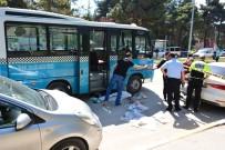 MİMAR SİNAN - Tokat'ta Minibüs Yaşlı Kadını Ezdi