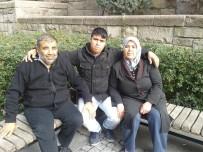KARIN AĞRISI - Yemin Törenine Giden Aile Büyük Acı Yaşadı