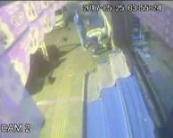 MARKET - Esenler'de Kararsız Hırsızlar Kamerada