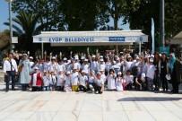 EYÜP BELEDİYESİ - Eyüp Sultan'da Simurglu Minikler Süt Dağıttı