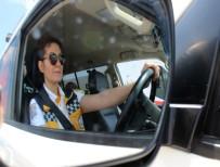 KADIN ŞOFÖR - Kadın Ambulans Şoförleri Erkeklere Taş Çıkartıyor