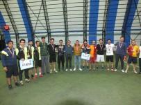 İLKÖĞRETİM OKULU - Malazgirt'te Şehit Binbaşı Arslan Kulaksız Futbol Turnuvası