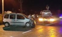 GÜVENLİK GÜÇLERİ - Milas'ta Trafik Kazası Açıklaması 3 Yaralı