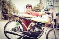 'Ölüm Oyuncağım' Yazdığı Motosikletiyle Kazada Öldü