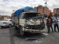 SANAYİ SİTESİ - Şanlıurfa'da Trafik Kazası Açıklaması 1 Yaralı