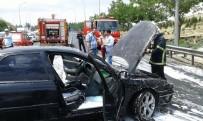 SANAYİ SİTESİ - Seyir Halindeki Otomobil Alev Aldı