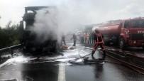 YANGIN TÜPÜ - TEM'de Kaza Yapan Tır Alev Alev Yandı