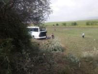YOLCU OTOBÜSÜ - Ankara - Çankırı karayolunda otobüs kazası: 8 ölü, 32 yaralı