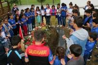 BEYTÜŞŞEBAP - Beytüşşebaplı Öğrenciler Samsun Şehidinin Mezarına Karanfil Bıraktı