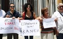 İNSAN ZİNCİRİ - 'Birleşik Kıbrıs Şimdi' Etkinliğiyle Lefkoşa'da İnsan Zinciri Oluşturuldu