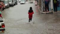 MÜLTECI - Çorum'daki Şiddetli Yağış Hayatı Felç Etti