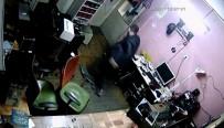 YENIÇAĞ - Deprem Anı Güvenlik Kamerasında