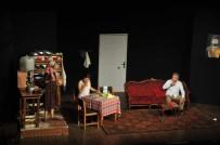 ŞEHİR TİYATROSU - Erdemli Belediyesi Şehir Tiyatrosu Giresun'da Sahneye Çıktı