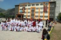 İMAM HATİP - Karate Kursu İçin Okula Gelen Öğrenciler Spor Salonunun Kapısı Açılmayınca Mağdur Oldu