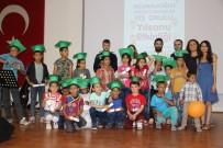 MÜLTECI - Suriyeli Mülteci Çocukların Diploma Sevinci