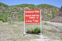 VEHBİ KOÇ - Tunceli'de Bir Köyde, Merhum İş Adamı Koç'un İsmi Caddeye Verildi