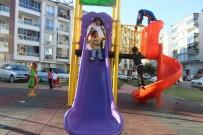 GÖKHAN KARAÇOBAN - Alaşehir'in Parklarına Yeni Nesil Oyun Grubu