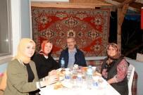 ALI ÖZKAN - Başkan Özkan İlk İftarı Şehit Ailesinin Evinde Yaptı