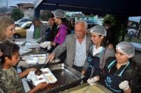 ÖZLEM ÇERÇIOĞLU - Büyükşehir Nazilli'de İftar Sofraları Kuruldu