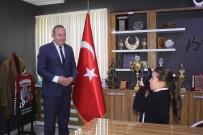 İLKÖĞRETİM OKULU - Fotoğraf Tutukunu Yaren Başkan Şahiner'in Fotoğraflarını Çekti
