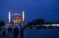 İSLAM - İstanbul'un Minareleri Mahyalarla Süslendi