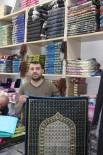 SECCADE - Ramazanda Namaz Öğreten Seccadelere İlgi Artıyor