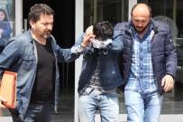 YOLCU OTOBÜSÜ - Yolcu Otobüsünden İnerken Uyuşturucu Haplarla Yakalandı