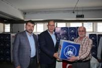 EROL AYDIN - Adapazarı Belediyesi Personeline Erzak Dağıttı