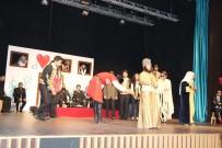 Ardahan'da 'Şair Evlenmesi' sahnelendi