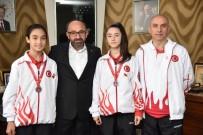 HÜSEYİN ÜZÜLMEZ - Başkan Üzülmez, Balkan Karate Şampiyonası'ndan Madalya İle Dönen Çocukları Ağırladı