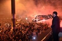 MURAT HAZINEDAR - Beşiktaş Belediye Başkanı Hazinedar, Şampiyonluk Kutlamalarına Katıldı