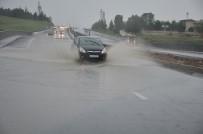 BAHÇELİEVLER - Bilecik'te Sağanak Yağmur