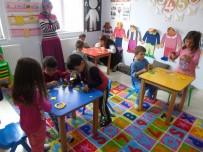 OYUNCAK KÜTÜPHANESİ - Bu Kütüphane Çocukların Ayağına Gidiyor