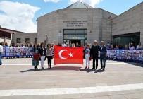 BEYAZ RUSYA - Dünya Dostluk, Barış Ve Sevgi Kuşağı, Hacıbektaş'ta Sanatseverlerle Buluştu