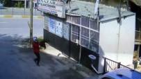 GÜVENLİK KAMERASI - Elektronik Dükkanına Pompalı Tüfekle Saldırı Kamerada